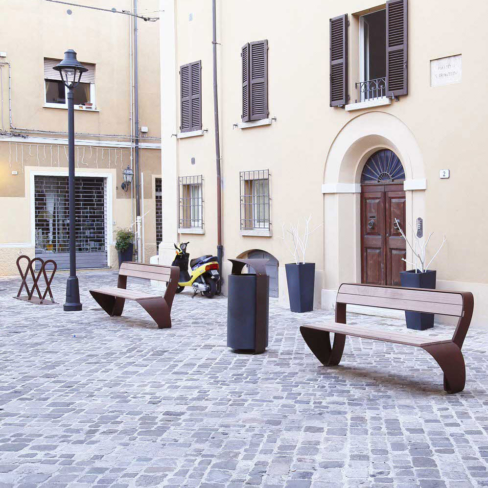 Mobilier urbain bancs et corbeille LAB23 Ville de Rimini