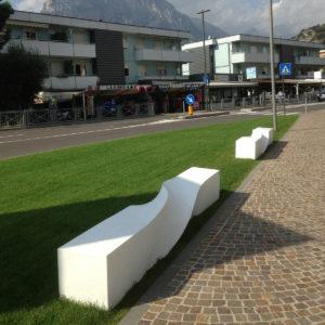 arredo urbano panchina di design Nago-torbole LAGO DI GARDA