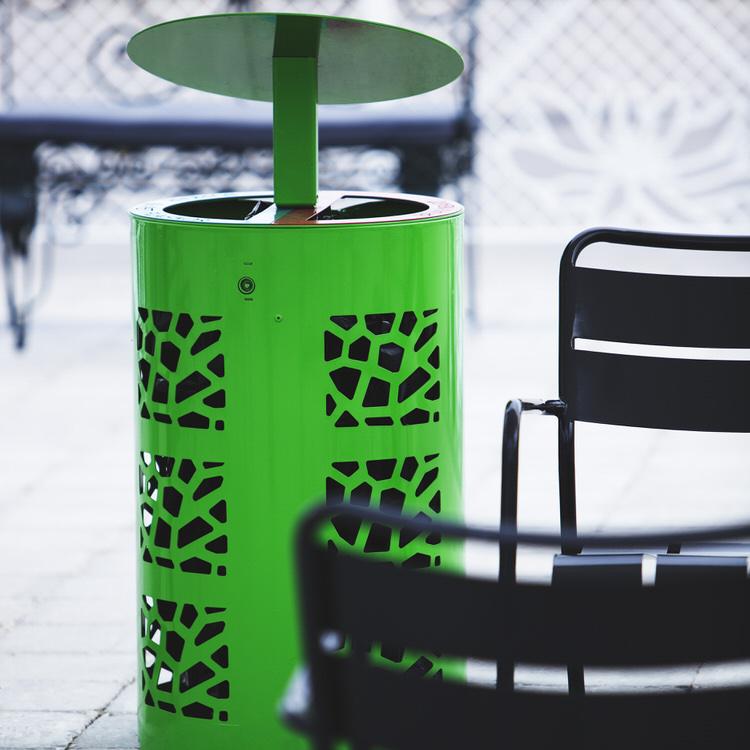 mobilier urbain corbeille de tri sélectif avec couverture LAB23