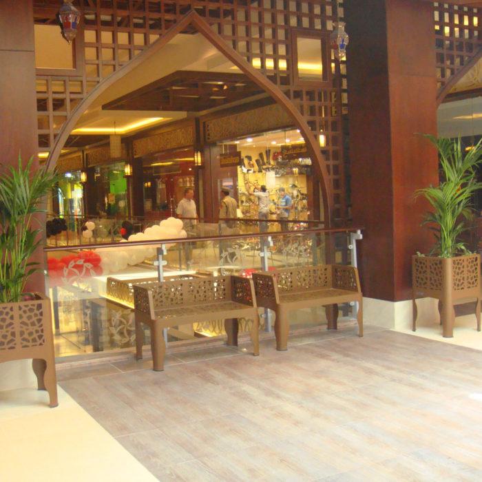 arredi per interni LAB23 per Raskhaimah Alhamra Mall - Dubai