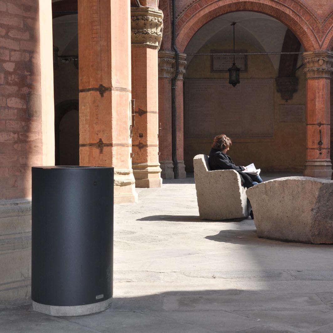 mobilier urbain corbeille LAB23 Ville de Bologne