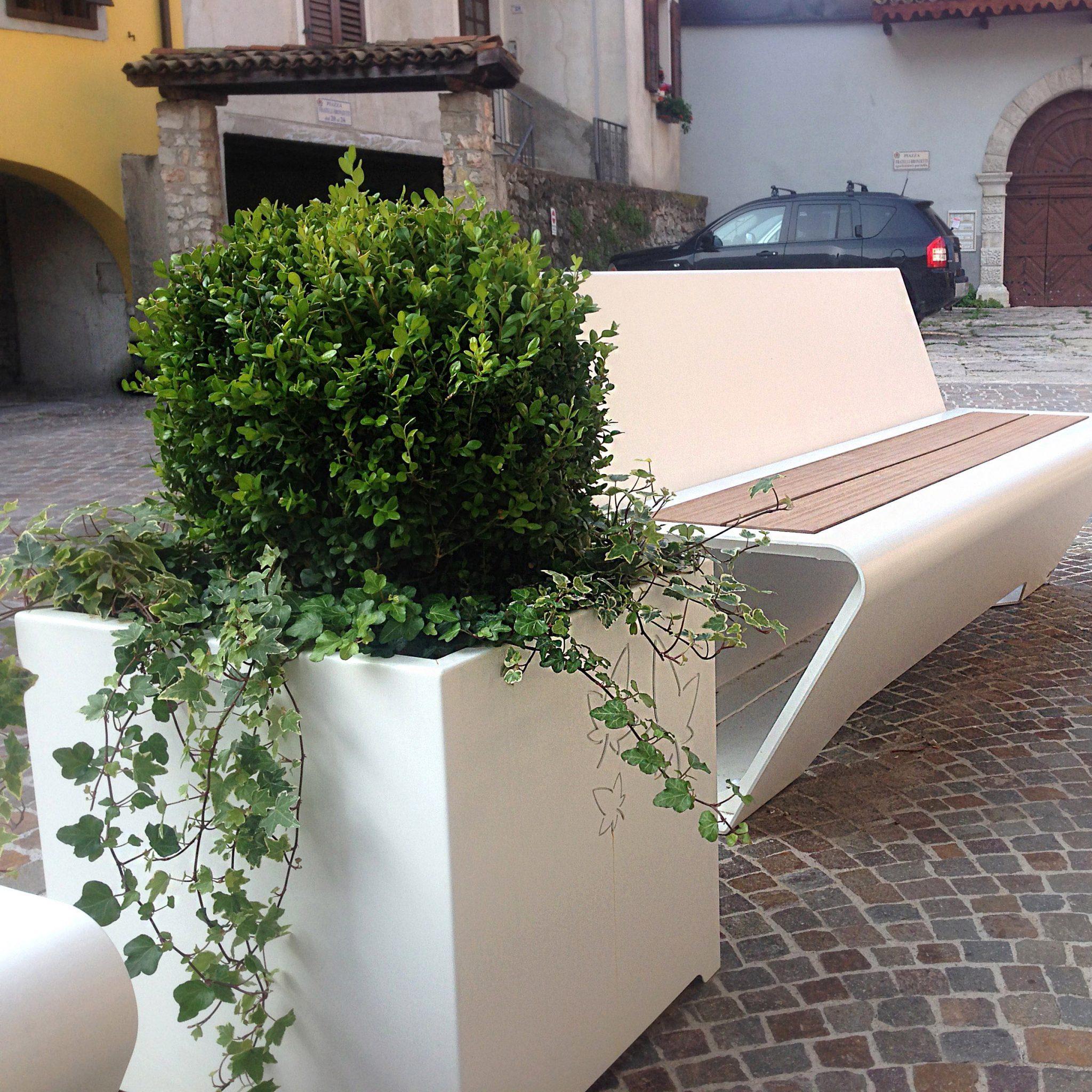 arredo-urbano-fioriera-leaves NAGO-TORBOLE LAGO DI GARDA