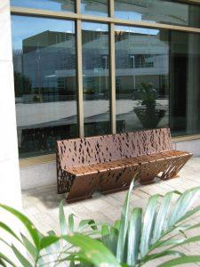 mobilier urbain banc LAB23 - Hotel Hilton Canada